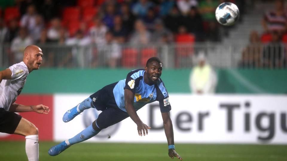 Bundesliga Thesen Gladbach Thuram spielt schon Rose-Fußball