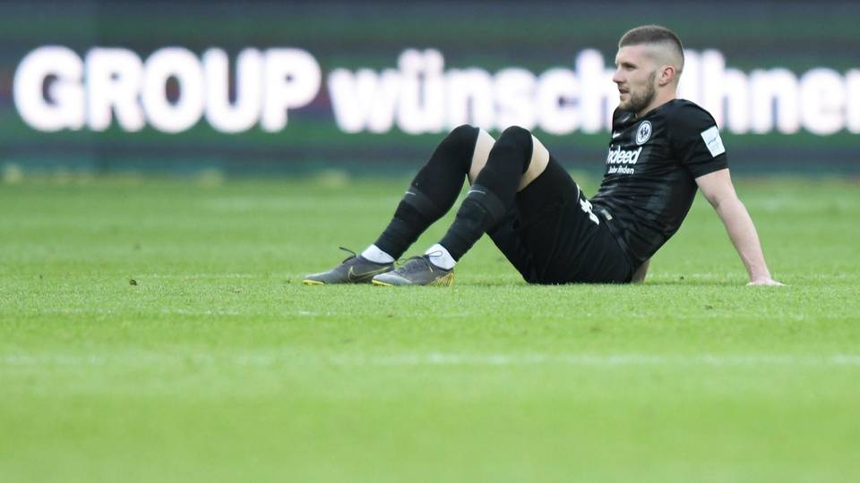 Bundesliga Thesen Frankfurt - Rebic allein gelassen